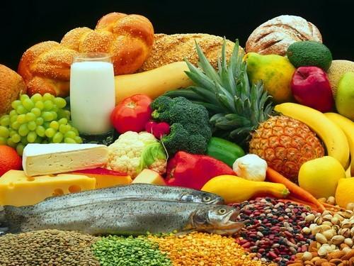 Khi bị đau bụng kinh nên ăn gì và kiêng gì?